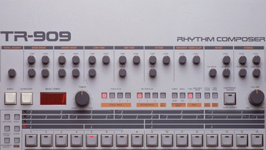 9ft-909: la plus grosse TR-909 du monde