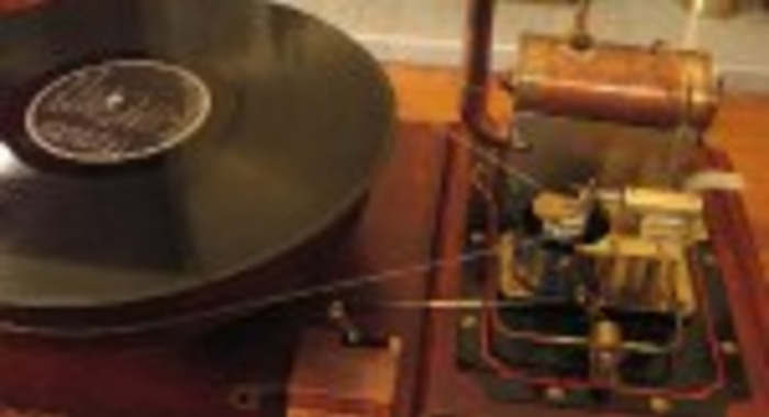 Steampunk: Simon Jansen's Turntable