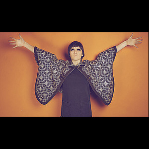Cate Le Bon : Puts Me To Work