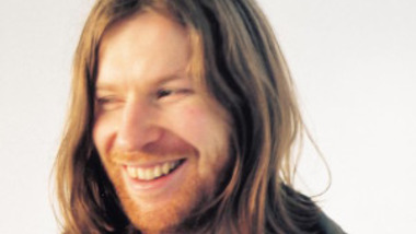 Dance music intelligente en easy listening : en 1996, Aphex Twin remixe The Mike Flower Pops